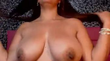 Beautiful busty latin brunette squirting